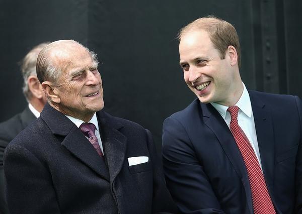 William lần đầu đăng bức ảnh này của Hoàng thân Philip và George, có một điểm rất đặc biệt ảnh 2