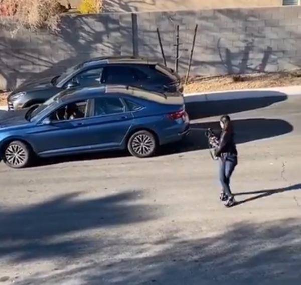 Chỉ là video đỗ ô tô thôi, tại sao lại thu hút 10 triệu lượt xem chỉ trong 1 ngày? ảnh 2