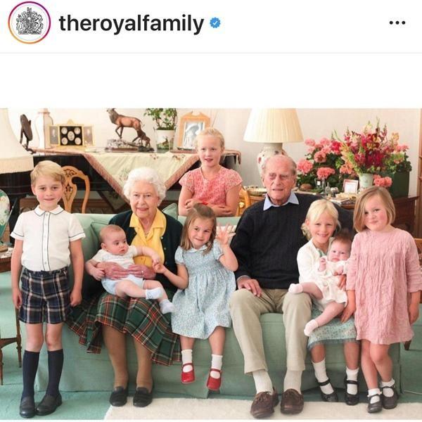 """Bằng chứng cho thấy Hoàng gia Anh không hề """"nể mặt"""" Meghan, dù chào đón Harry về quê hương ảnh 2"""