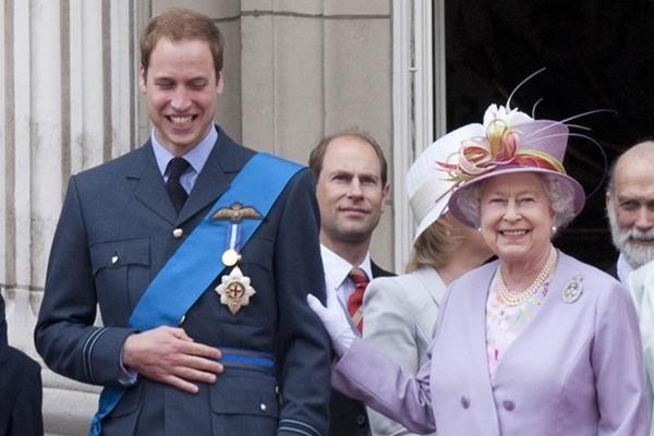 Tại sao công chúng ở Anh muốn William sớm lên ngôi Vua, sau tang lễ của Hoàng thân Philip? ảnh 1