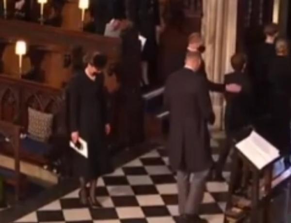 """""""Sinh ra để làm Hoàng hậu"""": Kate được khen vì cách cư xử trong tang lễ Hoàng thân Philip ảnh 4"""