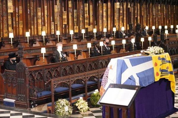 Nghĩa cử cuối cùng của Nữ hoàng: Bức thư viết tay đặc biệt, dành cho Hoàng thân Philip ảnh 3