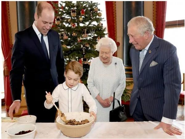 Cha con Hoàng tử William họp quyết định tương lai Hoàng gia: Nữ hoàng muốn nhường quyền? ảnh 4