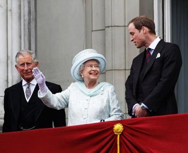Cha con Hoàng tử William họp quyết định tương lai Hoàng gia: Nữ hoàng muốn nhường quyền? ảnh 3