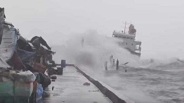 """Mới tháng 4 mà siêu bão Surigae đã gây bất ngờ, tại sao gọi nó là """"cơn bão quái vật""""? ảnh 3"""