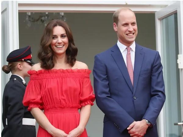 Xuất hiện cùng nhau suốt nhưng William - Kate gần như không bao giờ nắm tay, tại sao vậy? ảnh 4