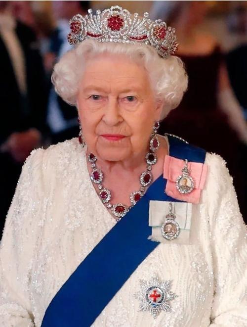 Đâu chỉ đơn giản là gia tộc quyền quý, Hoàng gia Anh là thương hiệu toàn cầu lớn cỡ nào? ảnh 2