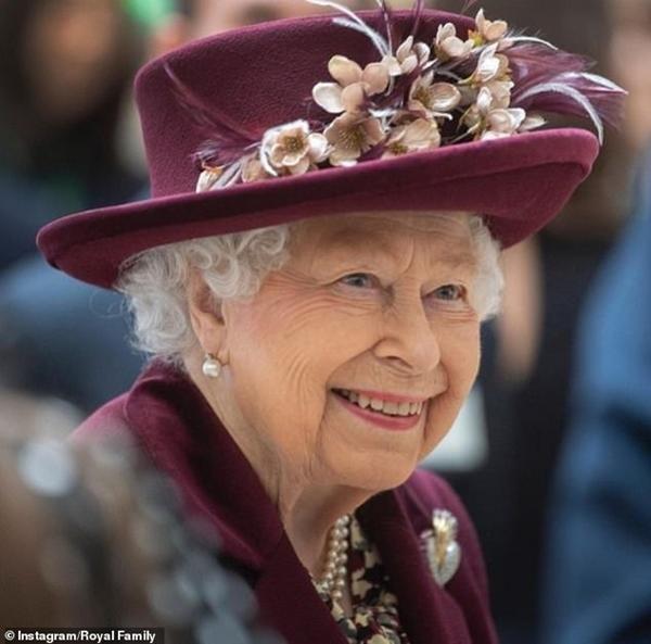 Sinh nhật Nữ hoàng Anh: Hoàng gia đăng ảnh mới, viết thông điệp nhắc đến Hoàng thân Philip ảnh 1