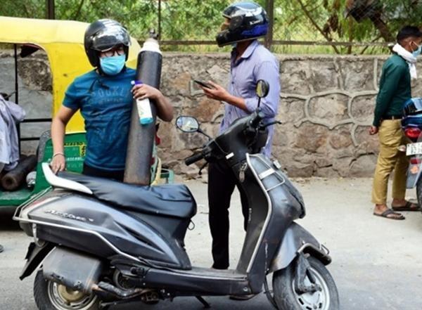 Cuộc khủng hoảng thiếu oxy trong làn sóng thứ hai ở Ấn Độ: Những bức ảnh chất chứa lo âu ảnh 6