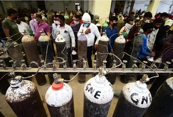 Cuộc khủng hoảng thiếu oxy trong làn sóng thứ hai ở Ấn Độ: Những bức ảnh chất chứa lo âu ảnh 7