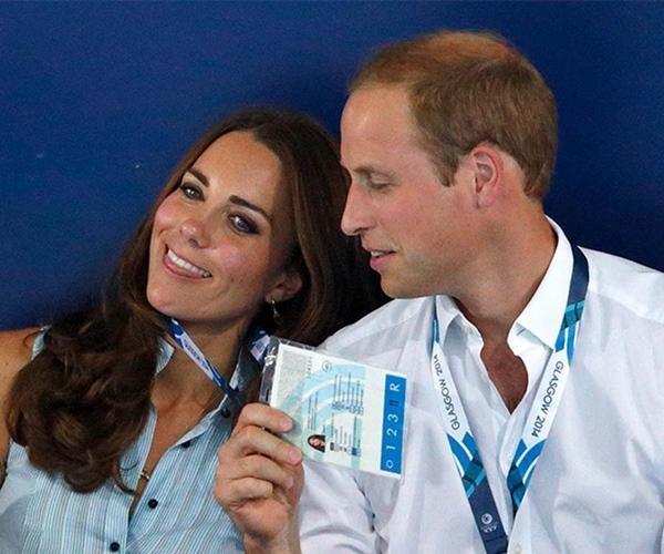 """Vợ chồng William - Kate khi tưởng rằng không có ai chụp ảnh: Hóa ra """"mùi mẫn"""" thế này đây ảnh 1"""
