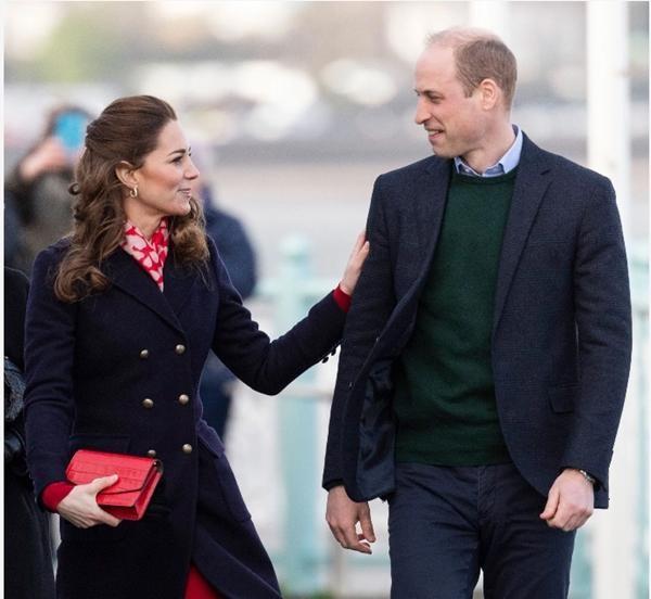 """Thêm bằng chứng cho thấy nhà William - Kate đang tiến lên """"tuyến đầu"""" của Hoàng gia Anh ảnh 3"""