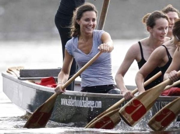 William - Kate sắp kỷ niệm 10 năm ngày cưới: 5 bài học tình yêu từ cặp đôi Hoàng gia ảnh 3