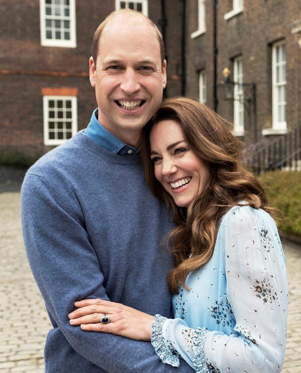Vợ chồng William - Kate đăng ảnh mừng kỷ niệm 10 năm ngày cưới, ảnh nào cũng đầy ý nghĩa ảnh 1