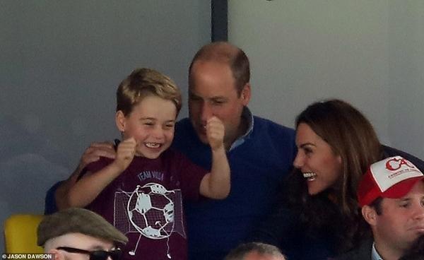 Vừa đăng video hạnh phúc, tại sao William - Kate lại tuyên bố tạm ngừng dùng mạng xã hội? ảnh 4