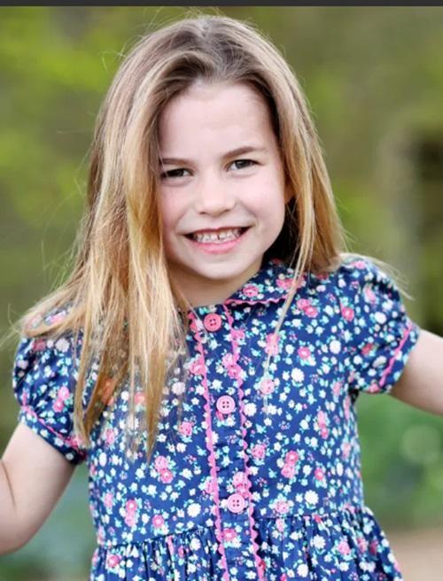 William - Kate đăng ảnh sinh nhật 6 tuổi của Công chúa Charlotte, có một điều rất đặc biệt ảnh 1