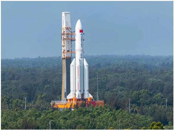 """Một phần tên lửa của Trung Quốc sắp rơi """"mất kiểm soát"""": Khi nào sẽ rơi và rơi xuống đâu? ảnh 1"""