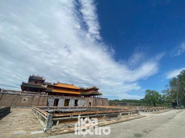 Cảnh tượng bất ngờ của thành phố Huế sau ảnh hưởng của cơn bão số 9 ảnh 3