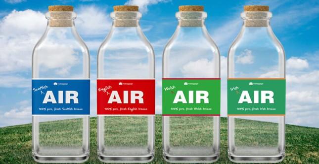 Chỉ là những chai đựng không khí, lý do gì mà chúng lại được bán với giá siêu đắt? ảnh 1