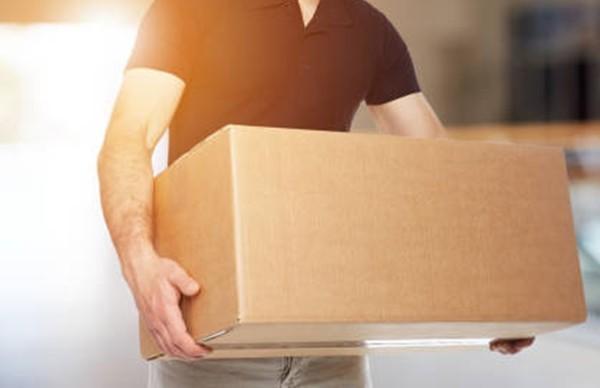 Những món đồ đắt tiền và sự trung thực của người ship hàng ảnh 3