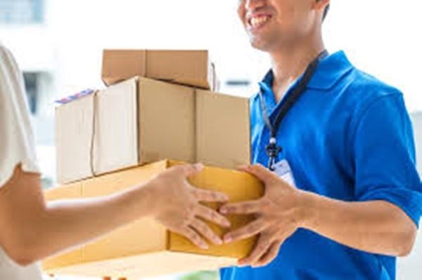 Những món đồ đắt tiền và sự trung thực của người ship hàng ảnh 4