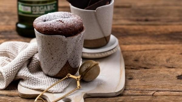 Làm bánh sôcôla trong 2 phút: Công thức làm bánh nhanh hơn cả gọi ship! ảnh 4