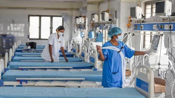 Bệnh nhân COVID-19 lăn từ trên giường xuống, làm ngắt nguồn oxy từ máy thở của chính mình ảnh 2