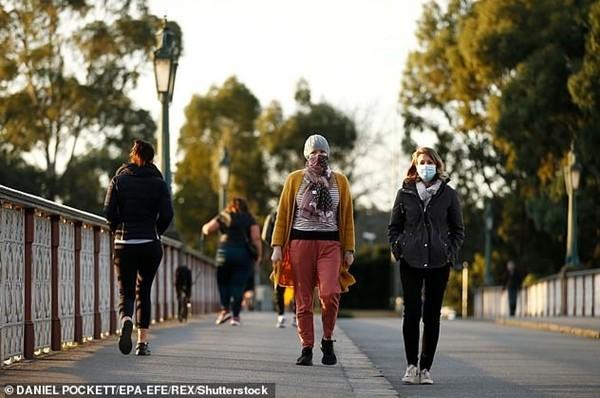 Thành phố Melbourne ban bố tình trạng thảm họa từ tối 2/8 do số ca COVID-19 tăng mạnh ảnh 2