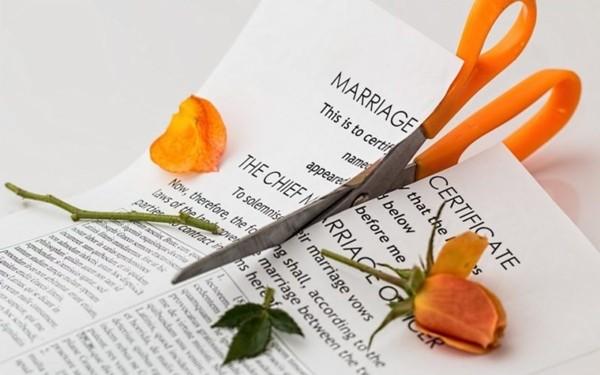 """Lấy được chồng hoàn hảo, vợ vẫn quyết ly dị vì """"tình yêu của anh ấy khiến tôi ngạt thở"""" ảnh 2"""