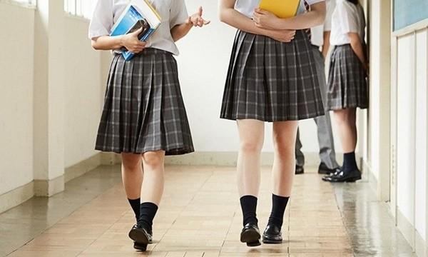 """Nhóm trường quốc tế ở Hong Kong thừa nhận có thầy giáo """"đo độ dài váy của nữ sinh"""" ảnh 3"""