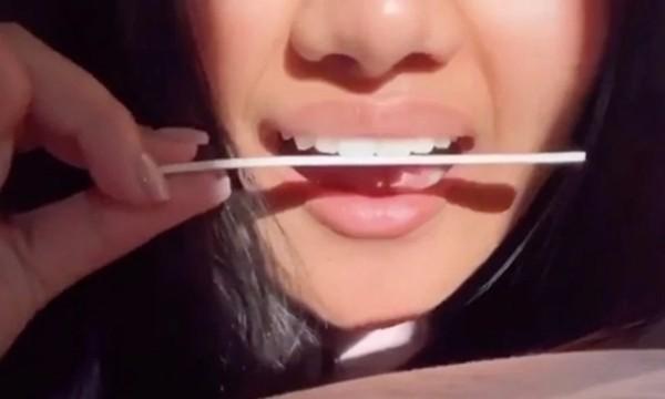Dùng giũa móng tay mài răng để có nụ cười đẹp: Các TikToker bảo an toàn, nha sĩ bảo sao? ảnh 2