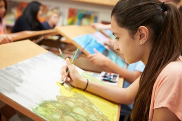"""Thầy giáo nói """"I love you"""" nhiều lần với học sinh nữ, thanh minh rằng """"chỉ muốn động viên"""" ảnh 1"""