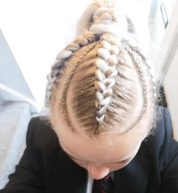 Chỉ nối tóc và tết tóc mà cũng bị nhà trường bắt gỡ ra, một học sinh nữ bật khóc vì ấm ức ảnh 3