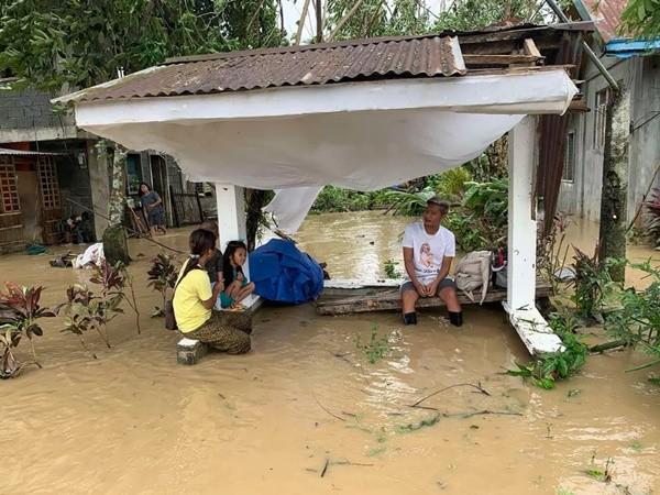 Bão Molave (bão số 9) sắp vào Việt Nam đã có sức tàn phá thế nào khi đi qua Philippines? ảnh 2