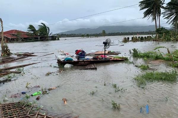 Bão Molave (bão số 9) sắp vào Việt Nam đã có sức tàn phá thế nào khi đi qua Philippines? ảnh 1