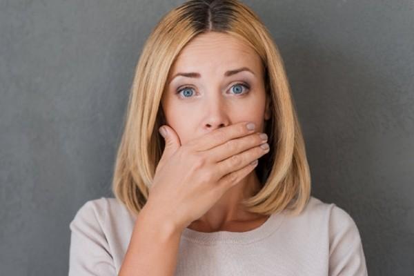 Bất ngờ có thêm một hậu quả của COVID-19: Bệnh nhân đã khỏi bỗng rụng răng mà không hề đau ảnh 1