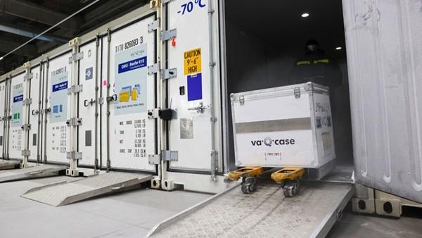 Vaccine COVID-19 vừa được duyệt khẩn cấp ở Mỹ, các hãng vận chuyển đã chuẩn bị kỹ thế nào? ảnh 2