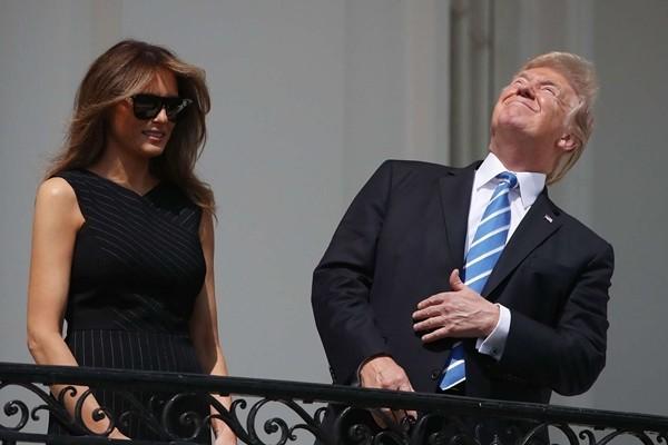 """Nhật thực toàn phần ngày Đại cử tri Đoàn bầu Tổng thống Mỹ: """"Điềm báo"""" cho Donald Trump? ảnh 2"""
