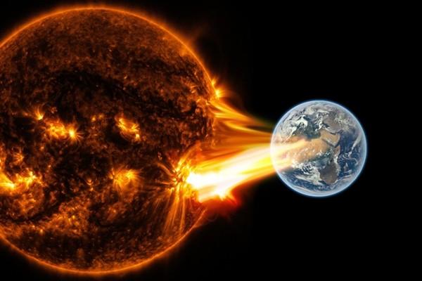 Dự báo của nhà tiên tri Nostradamus cho năm 2021: Bão Mặt Trời, động đất, và còn gì nữa? ảnh 2