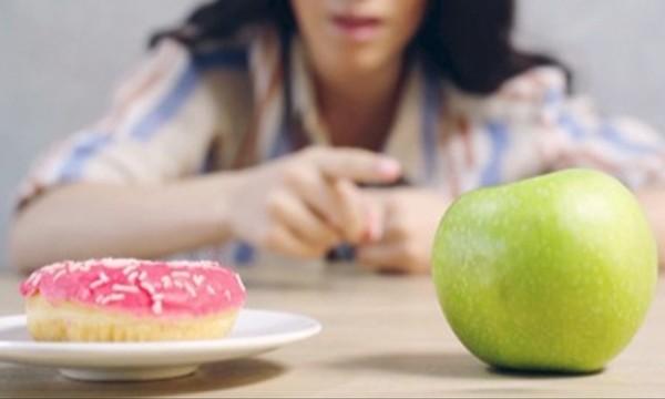 """""""Đừng ăn kiêng trong Năm Mới"""": Tại sao chuyên gia dinh dưỡng lại cho bạn lời khuyên này? ảnh 2"""