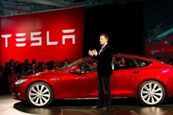 Elon Musk: Từ cậu học sinh chuyên bị bắt nạt ở trường đến người đàn ông giàu nhất thế giới ảnh 4