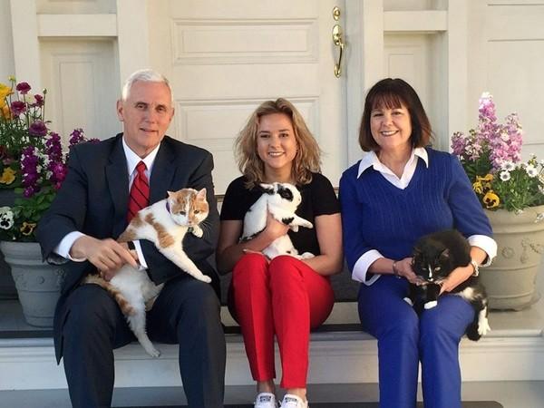 Tổng thống Trump sắp rời nhiệm sở, tương lai nào chờ đợi Phó Tổng thống Mike Pence? ảnh 2