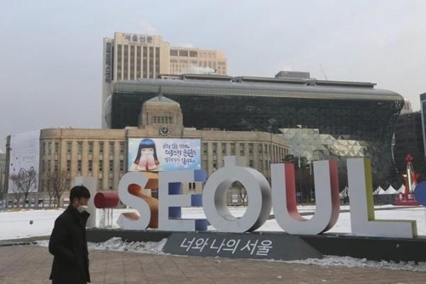 Thủ đô Seoul đăng lời khuyên thế nào cho nữ giới mà khiến cư dân mạng Hàn Quốc nổi nóng? ảnh 4