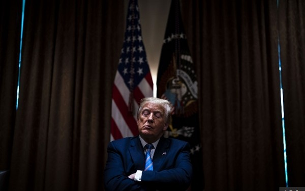 4 năm chụp ảnh Tổng thống Trump: Đằng sau những bức ảnh ấn tượng nhất của Tổng thống Mỹ thứ 45 ảnh 1