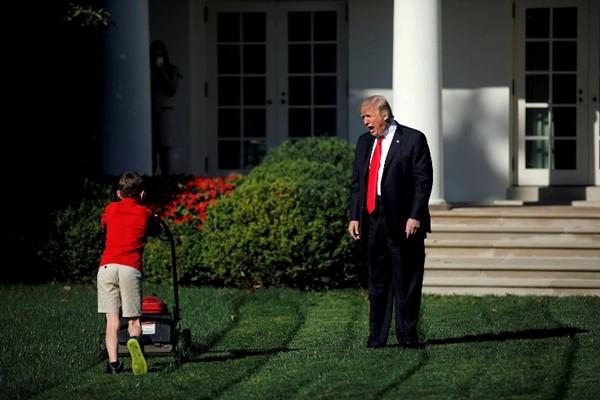4 năm chụp ảnh Tổng thống Trump: Đằng sau những bức ảnh ấn tượng nhất của Tổng thống Mỹ thứ 45 ảnh 8