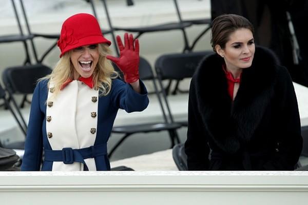 Thời trang trong Lễ Nhậm Chức Tổng thống Mỹ: Ý nghĩa đằng sau màu sắc trang phục của những người tham dự ảnh 6