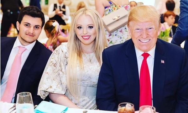 """Con gái Tổng thống Trump gây chú ý vì chọn lúc bố sắp rời nhiệm sở để thông báo """"tin vui"""" ảnh 3"""
