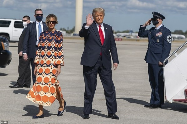 Cựu Tổng thống Trump vừa mở văn phòng ở quê nhà, còn dự định của Phu nhân Melania thì sao? ảnh 3