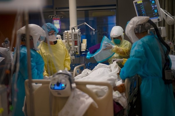 Biến thể SARS-CoV-2 của Anh mà nữ công nhân Hải Dương nhiễm nguy hiểm thế nào? ảnh 3
