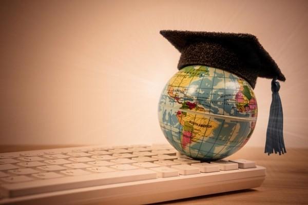 """""""Cú bật"""" thời Tổng thống Biden: Số sinh viên quốc tế đăng ký tới Mỹ du học đang tăng trở lại ảnh 1"""